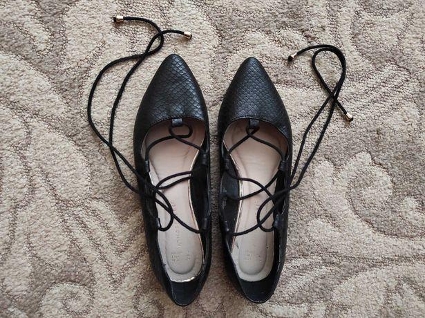 Buty wiązane baleriny wężowa skóra