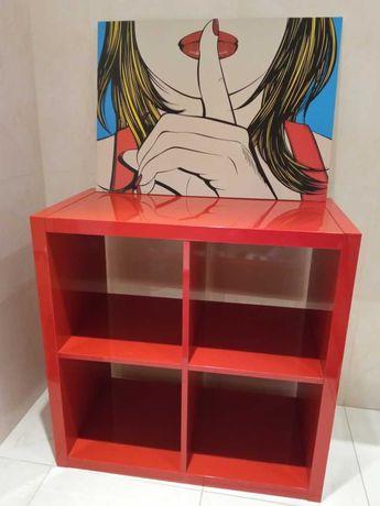 """Estante """"Kallax"""" em vermelho + quadro decorativo"""