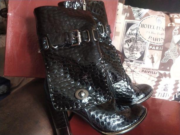 Ботинки осенние 39