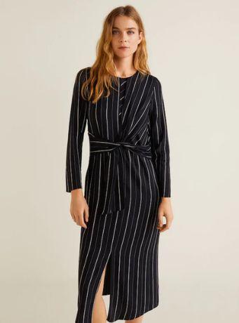 Черное вискозное платье в полоску mango