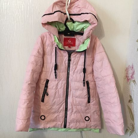 Курточка на девочку осень/весна