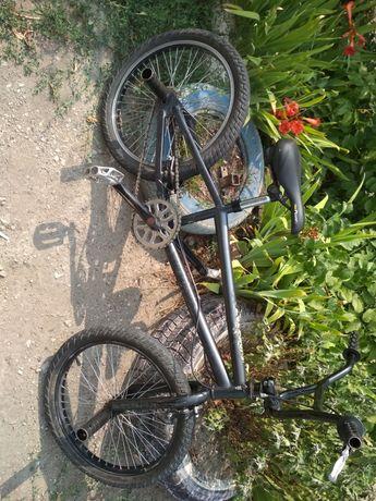 Продам велосипед BMX.
