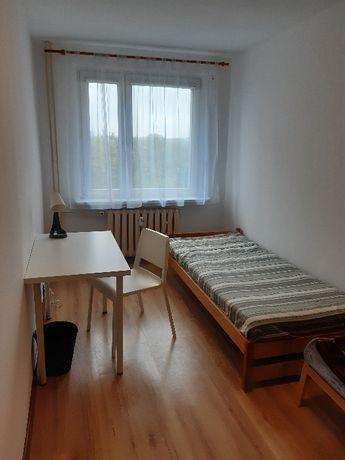 Ładny pokój z garderobą - cena ze wszystkimi opłatami