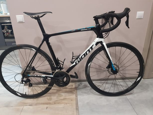 Карбоновый шоссейный велосипед Giant TCR Advanced