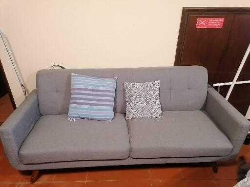 Sofá IKEA em tecido