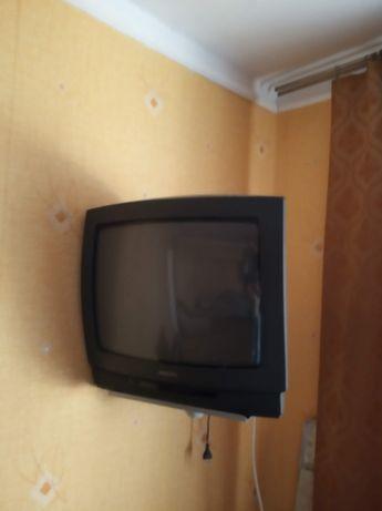 Продам телевизор Philips (рабочий) с креплением к стенке