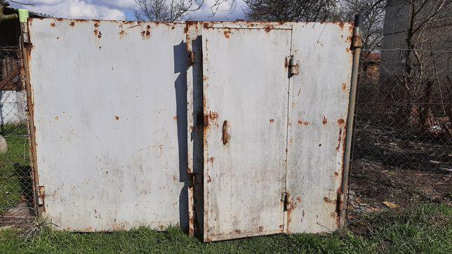 Ворота металеві, товстий метал