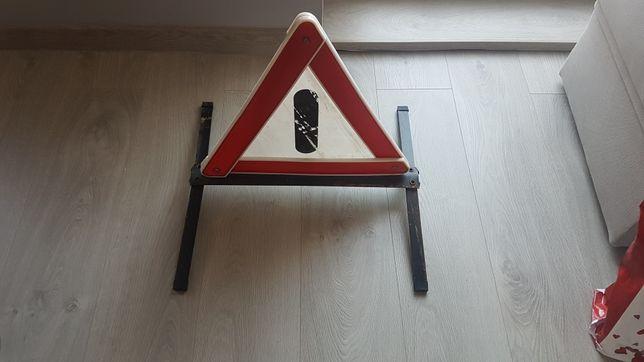 Solidny trójkąt ostrzegawczy