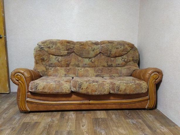 Продам диван кожзам/велюр хорошего качества!
