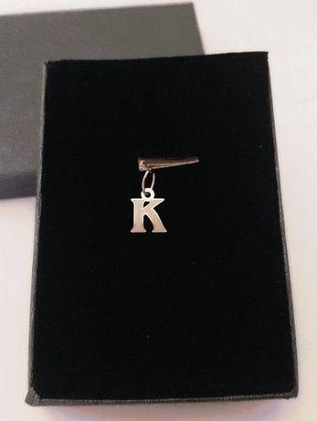 """Złota literka """"K"""" do delikatnych łańcuszków pr.585. Hit !"""