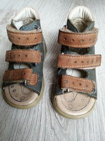 Sandałki dziecięce ortopedyczne rozm 19