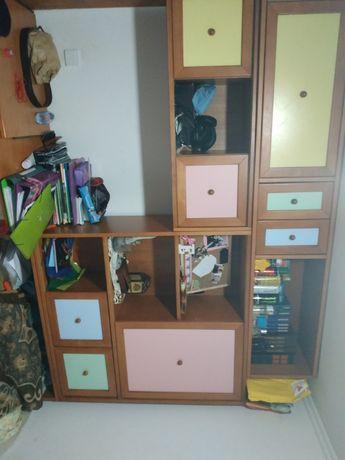 Estúdio com duas camas ou arrumo