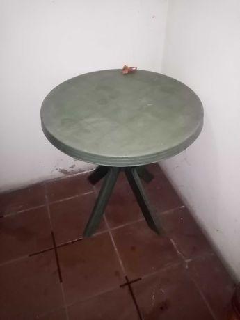 Vendo mesa Jardim e 3 cadeiras