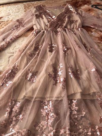 Дуже гарне та ніжне плаття