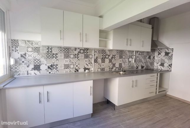 Oportunidade de investimento   Apartamento T4 totalmente remodelado