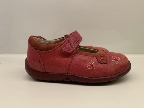 Buty, buciki dziecięce skórzane balerinki firmy Clarks r.21 stan