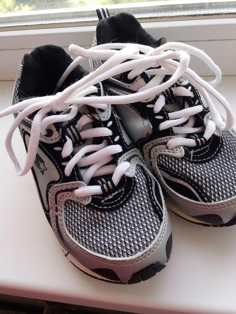 Продам кроссовки для мальчика и девочки (унисекс)