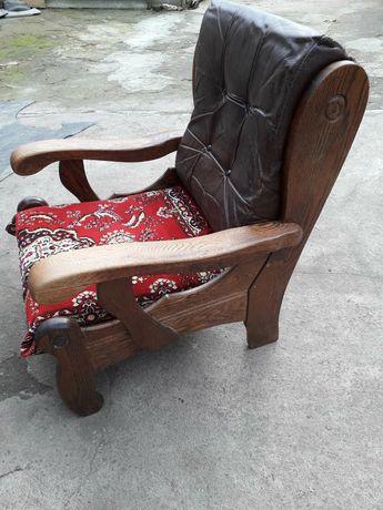 Продам кресло старинное