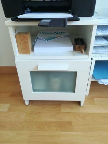 Mesinha de cabeceira IKEA