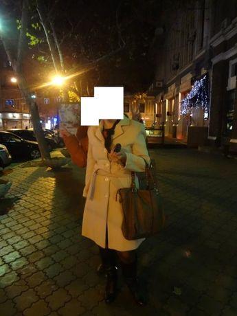 пальто кашемировое белое, молочного цвета демисезонное Fratelli