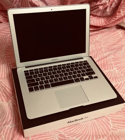 Ноутбук Apple MacBook Air 13-дюймов в идеальном состоянии!!!