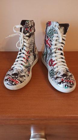 Кожаные ботинки на подростка