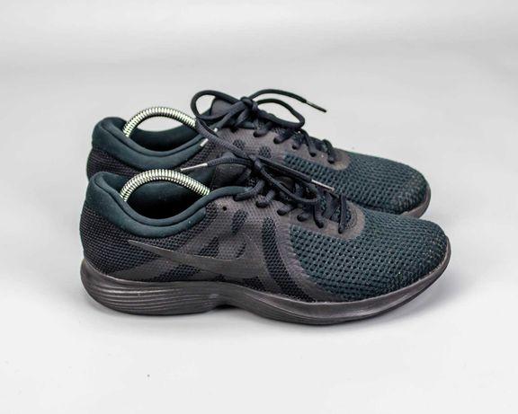 Фирменные беговые кроссовки в сетку Nike Revolution 4.43 размер.Reebok
