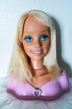 Cabeça- busto da Barbie