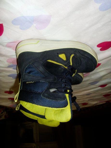 Ecco ботинки термосапоги в идеальном состоянии кросовки Адидас