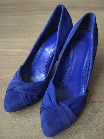 Czółenka pantofle szpilki r. 38 niebieskie (Mrągowo)