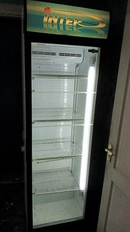 Холодильная витрина и холодильник