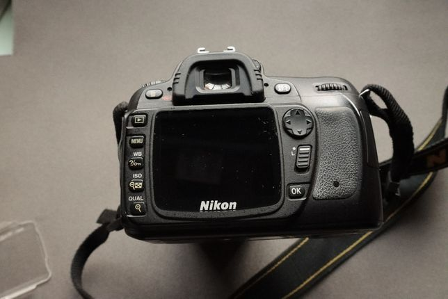 Nikon D80 фотоаппарат Объектив AF-S DX Nikkor 18-70 f/3.5-4.5 Nikon 28