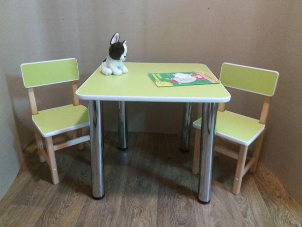 Детский столик и два стульчика. Стол. Стул.