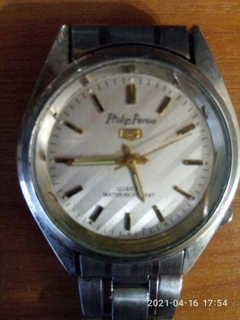 Наручний годинник з браслетом