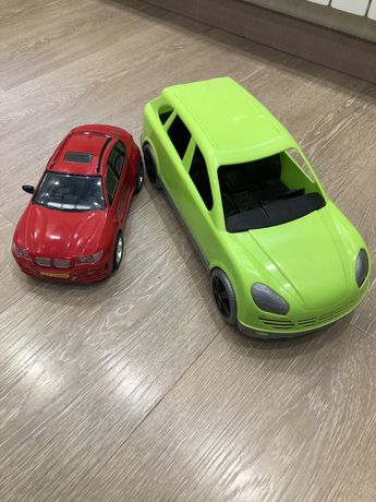 Машинки игрушечные