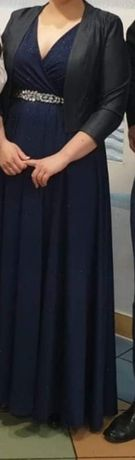 Suknia, pasek, narzutka i kolczyki