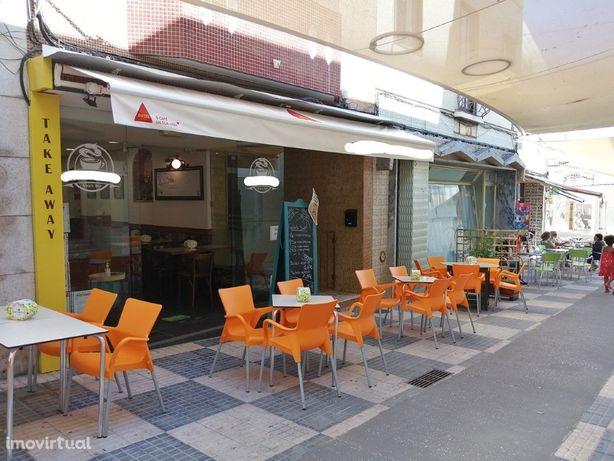 Snack Bar totalmente equipado e renovado no centro do Por...