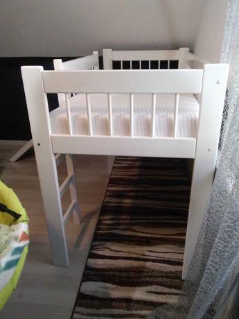 Łóżko piętrowe ze zjeżdżalnią
