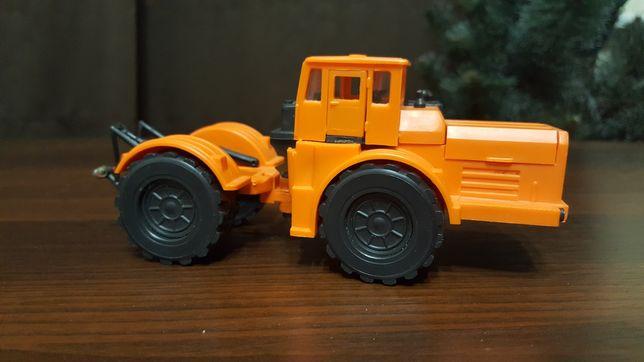 Кировец трактор 1:43