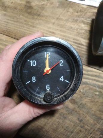 Часы  ВАЗ  03,06