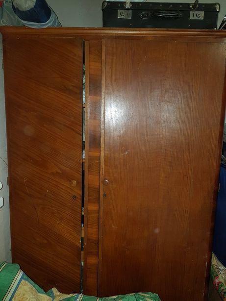 Шкаф старинный раритетный