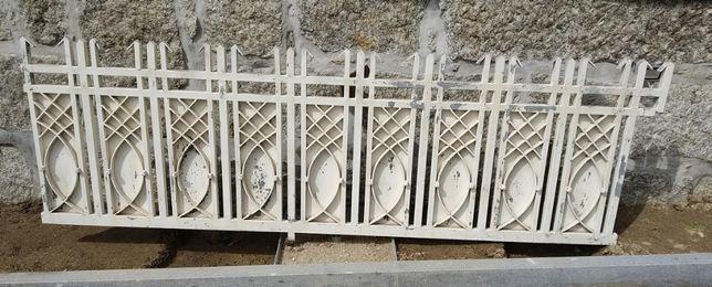 Vendo Portão 2 Folhas + Grade Ferro Galvanizado