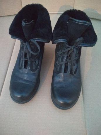 Б/У женские ботинки. Размер 38.