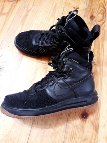Ботинки/высокие кроссовки nike