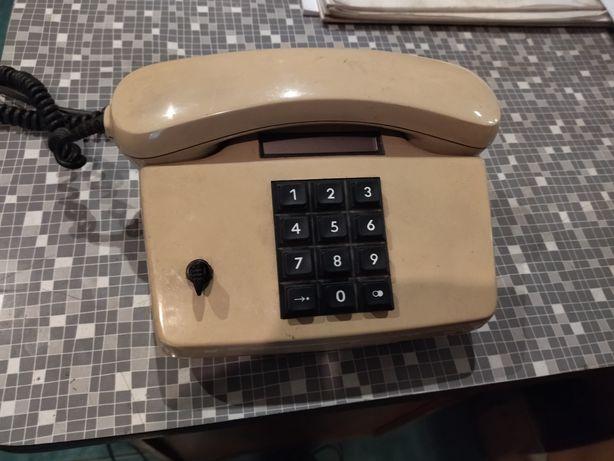 Aparat telefoniczny z kluczykiem