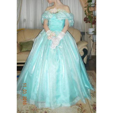 Нарядное платье для бала или свадьбы