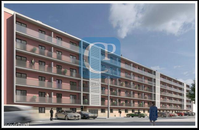 Apartamento T0 em construção, em frente ao Hospital S. João