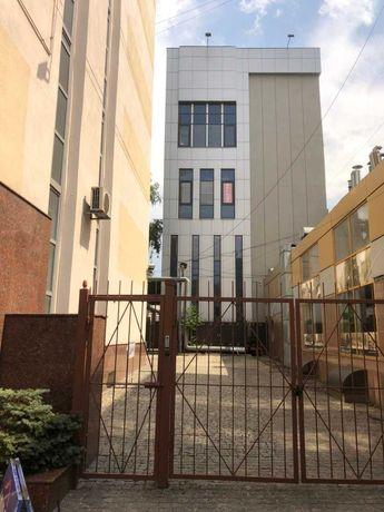 Сучасний офісний центр в центальному кварталі Дніпра