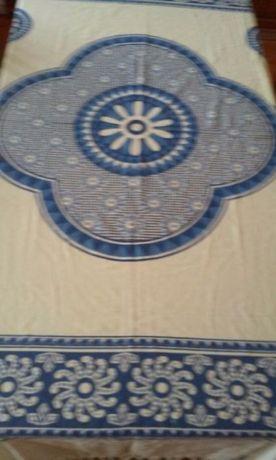 Tualha de mesa indiana nova