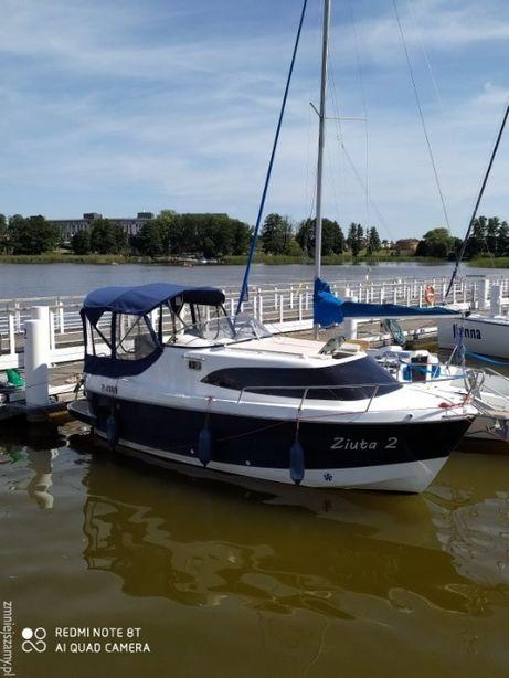 Czarter jachtu AM 780 w Iławie bez patentu